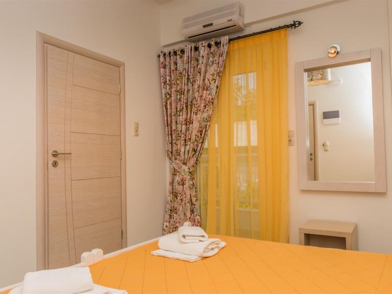 2 Bedrooms Apartment Esthis