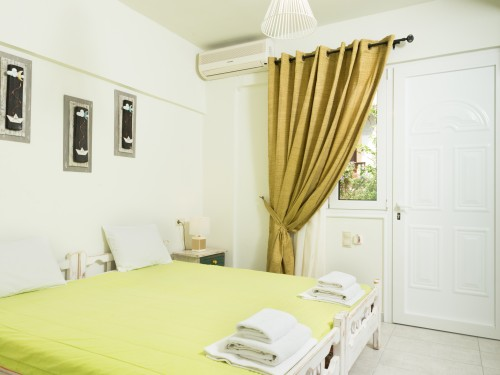 LUXURY ROOMS UP TO 2 PERSONS